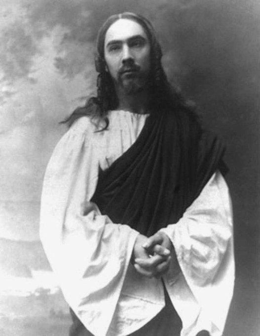 """Бела """"Дракула"""" Лугоши в роли Иисуса, Венгрия, 1916 год."""