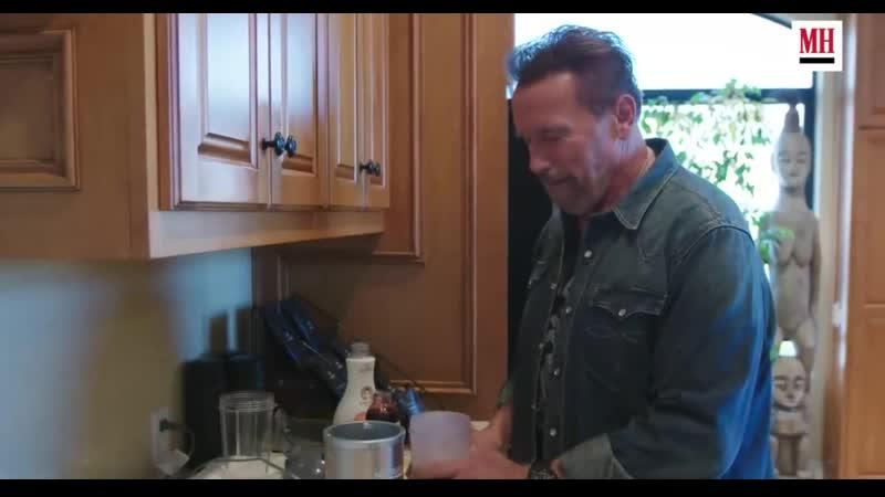 Что сейчас в холодильнике у Арнольда? Новый коктейль 2019г от отца бодибилдинга