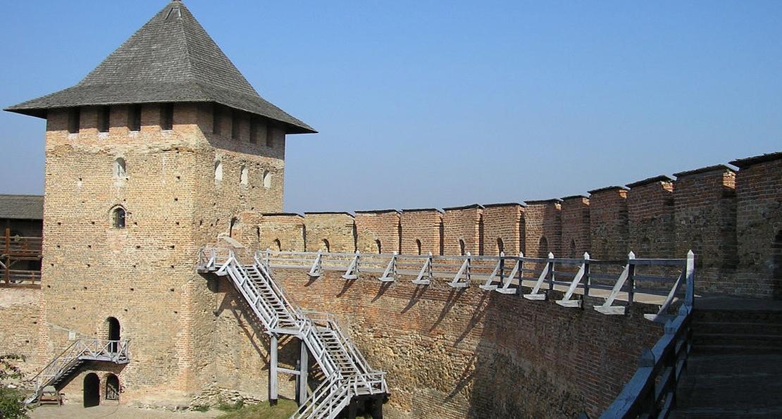 Стены Луцкого замка