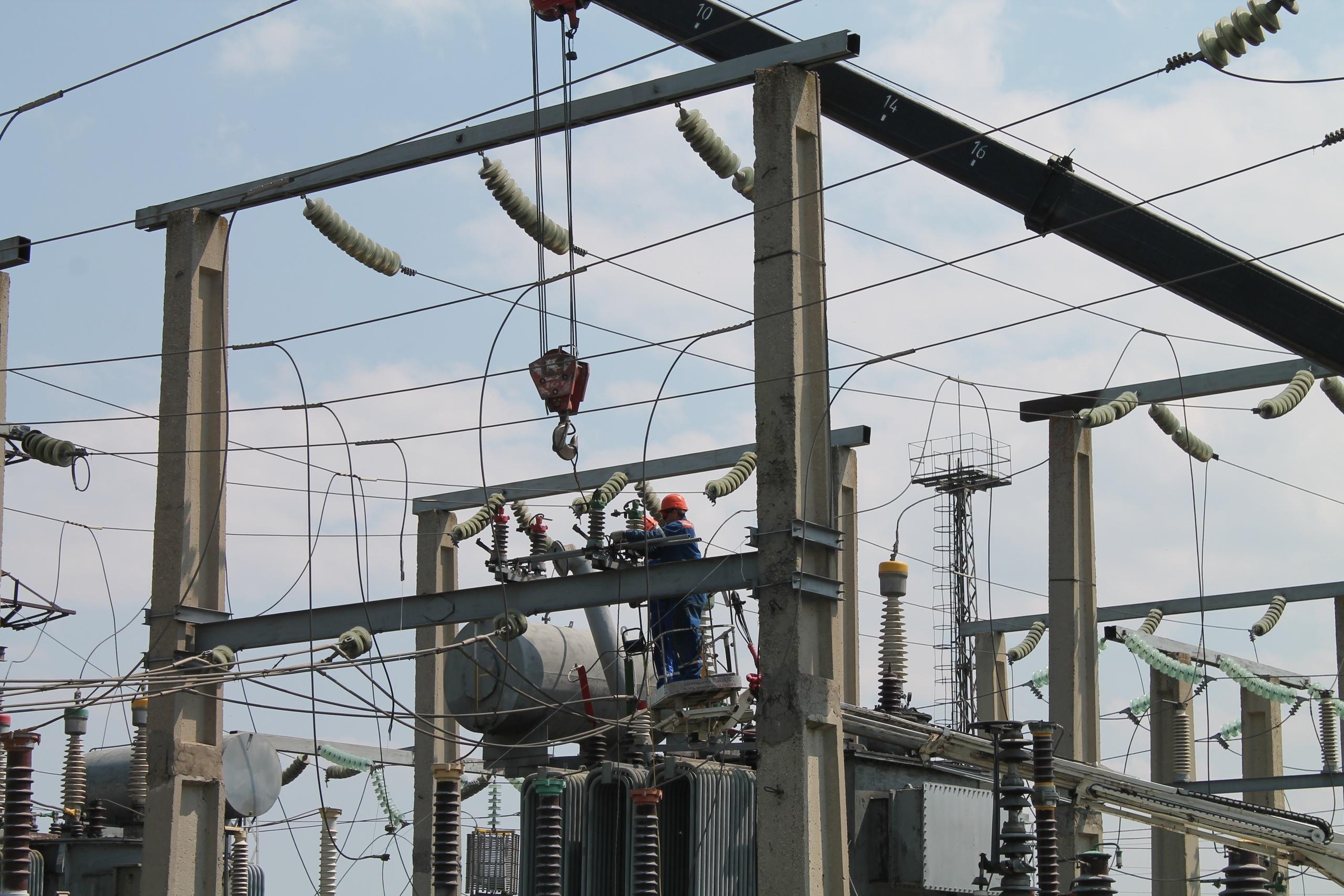 Потребителей элетроэнергии в Зеленчукской, Курджиново, Николаевском и Привольном отключат от электроэнергии в КЧР