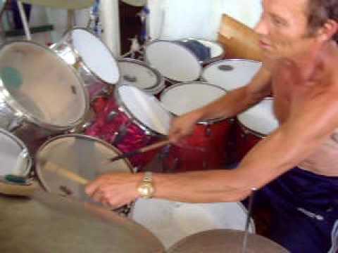 Лучший барабанщик Серёга!