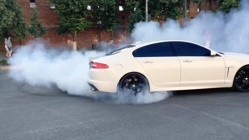 Jaguar XFR (510hp) drift