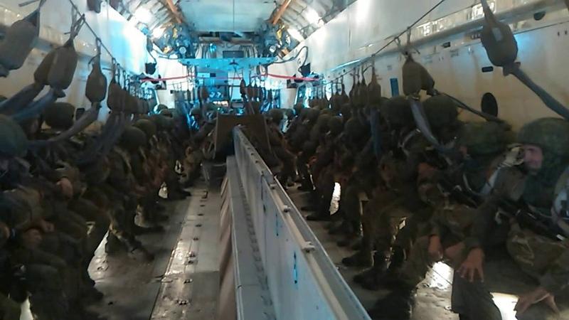 Десантирование личного состава 56 одшбр с ил -76