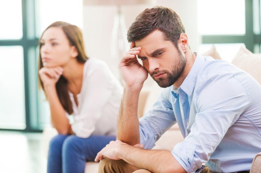 Мужчины, которые находятся в финансовой зависимости от женщин, испытывают сильный стресс