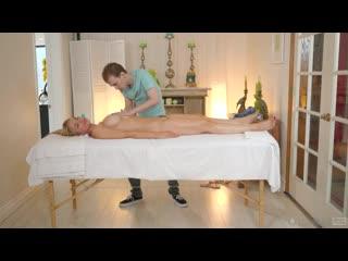 [FantasyMassage] Sarah Vandella - Hiding Under The Massage Table