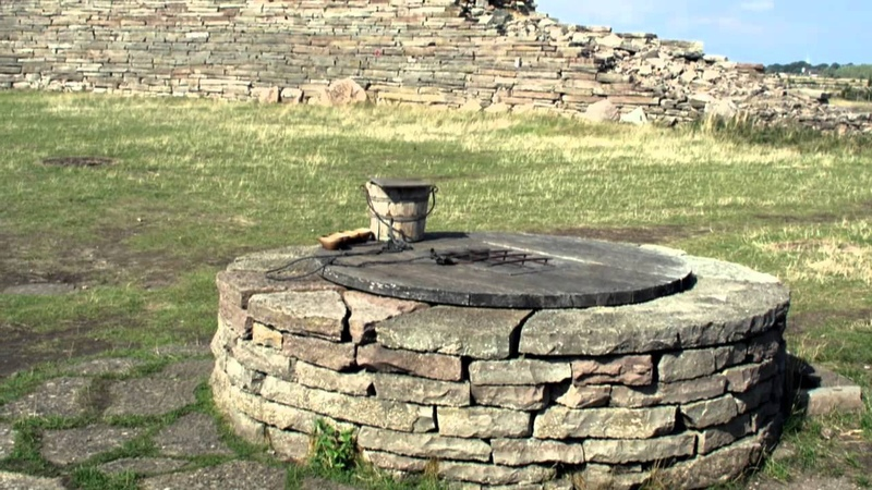 Eketorp the iron age fort 3 building phases: 300 1240AD