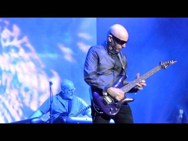 Joe Satriani - Flying in a Blue Dream (Live @ 02 Apollo Manchester, 01/11/2015)