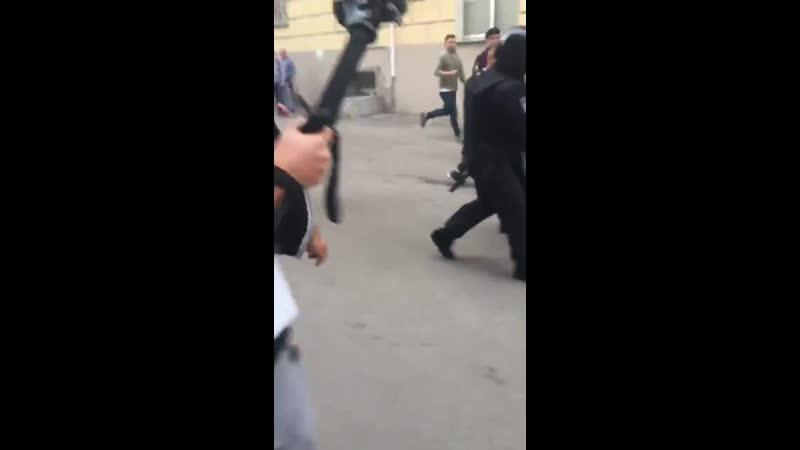 Звычайны пратэст на Масковіі адзін арыштаваны і дзесяткі здымаючых на камеры.Так пераможам рэжым !