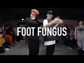 1million dance studio ski mask the slump god foot fungus ⁄ kasper choreography
