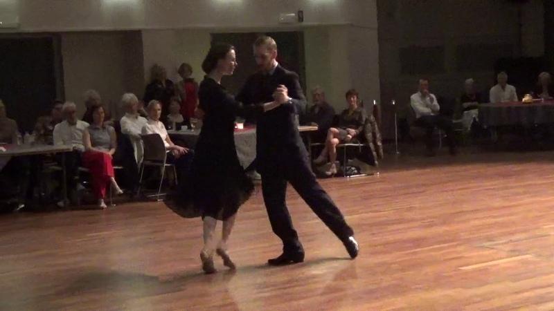 Tango Waltz performance Liz Yannick Vanhove - Christmas milonga Corrientes Lommel 2019