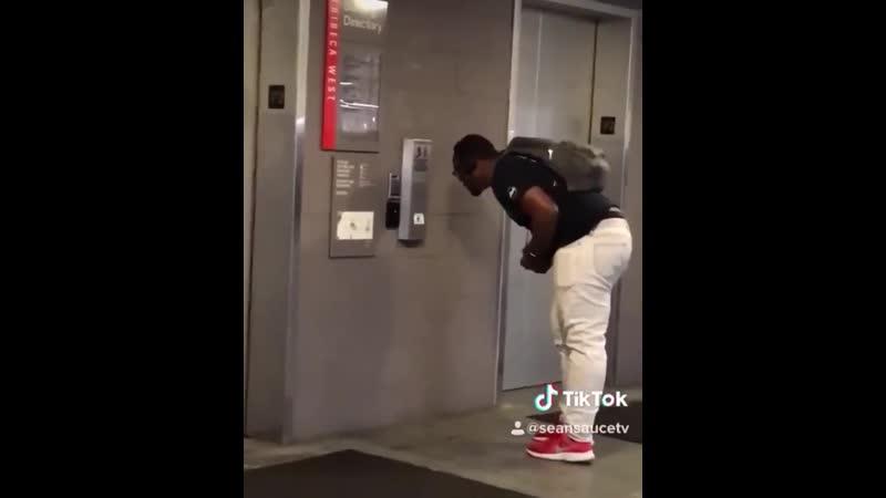 Лифт активируется голосом