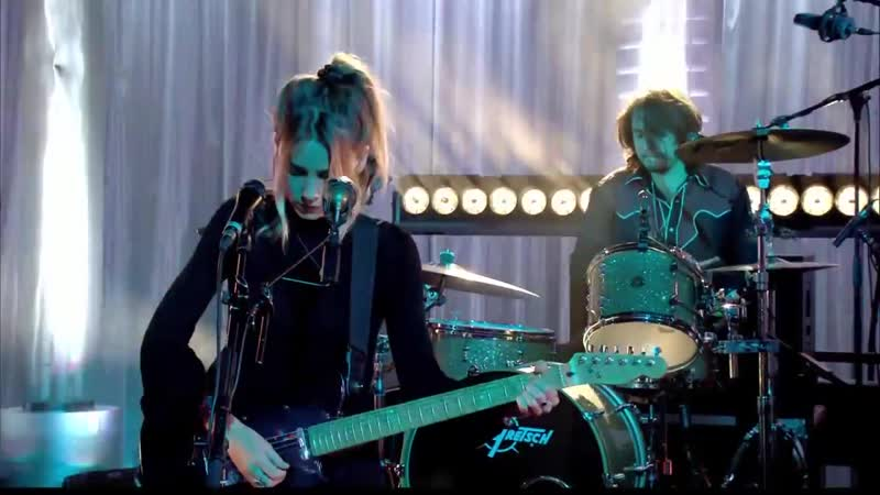 Wolf Alice - Your Loves Whore (Live Canal 2015)