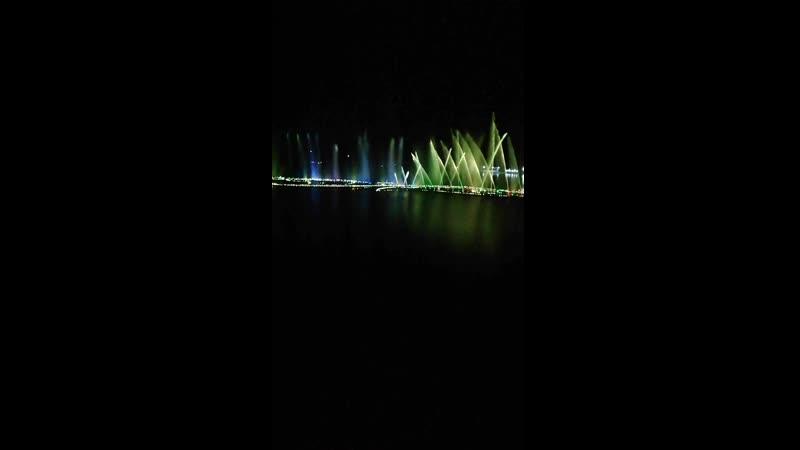Танцующие фонтаны Грозного » Freewka.com - Смотреть онлайн в хорощем качестве