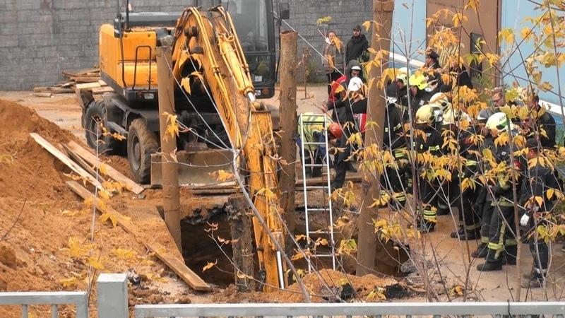 При обвале грунта в котловане погиб рабочий