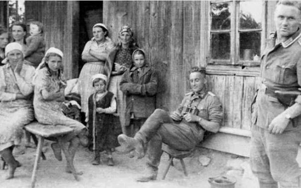 Подруги немецких солдат и их дети - фашистята и немчики По данным историков на оккупированных территориях СССР нередко организовывались бордели. При чем, что интересно, есть те, кто