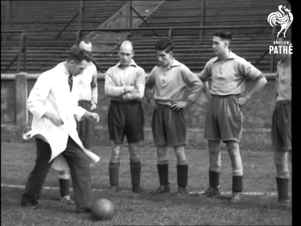 Famous Football Teams In Training No. 1 Leeds United (1938)