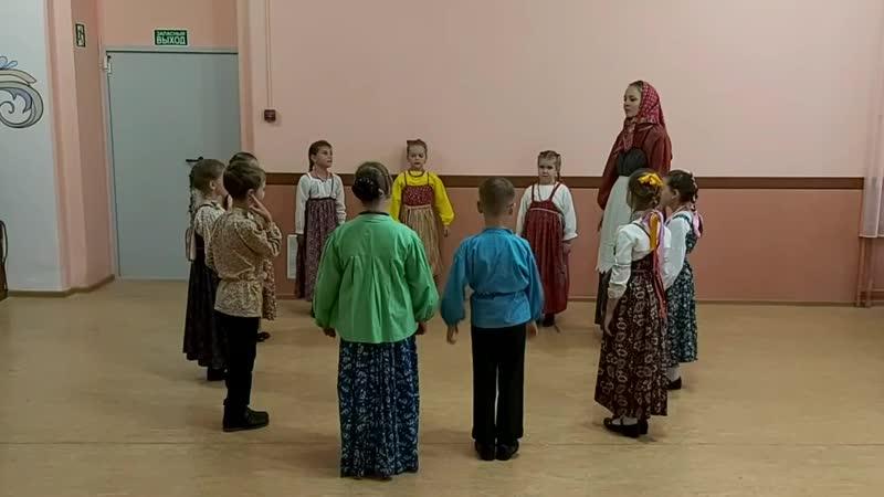 Фольклорно этнографический ансамбль Традиция младш группа В хороводе Ванюша хороводная на Троицу