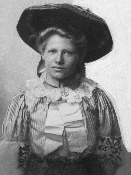 Черная вдова Белль Ганнесс, убившая собственных детей, мужей и 42 любовников Сегодня мы хотим рассказать вам о Брингильде Сторшетт, известной под псевдонимом Белль Ганнесс. Эту женщину также