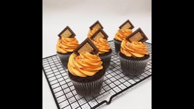 Шоколадные капкейки с апельсиновым конфитюром orange cupcakes Кондитерская школа Занятие № 6