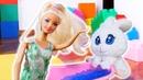 Видео про куклы Барби и игрушки для девочек. Тайная жизнь игрушек. Барби купается в ванной!