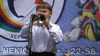 Играет   Роман Куприянов , г. Херсон. Украина.28 мая 2009 г., 12:31:34
