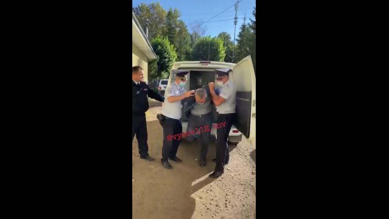 Задержанный житель Заинска напавший на бывшую жену в магазине