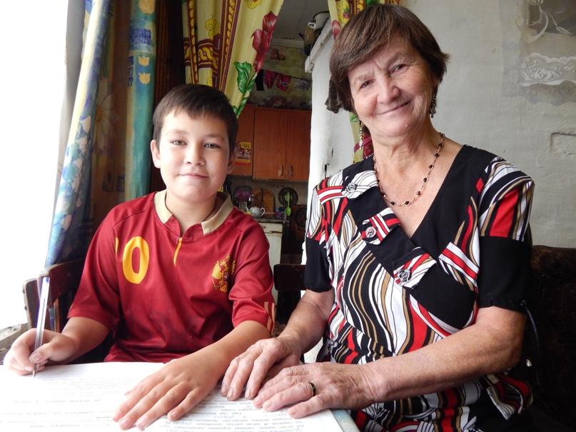 Бабушка Капа с внуком Костей.