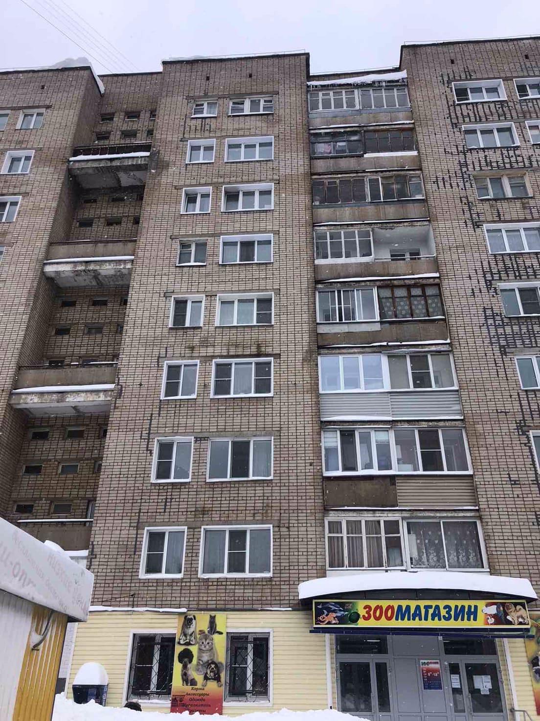 Очистка пожарных балконов и парапетов кровли улица