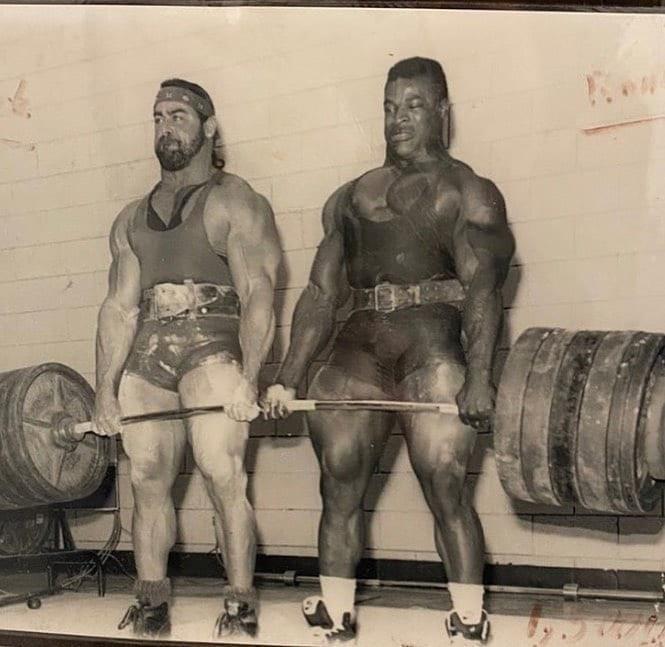 Парная тяга Ронни и Марка Хэнлона 545 кг.