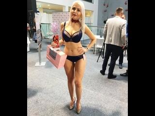 Вирт чат обменивайся секс фото и видео c девушками Melanie Jolie, Zoe Bloom, Kyla Cole, Miharu Kai