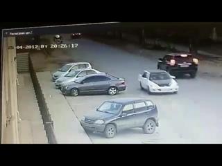 Момент аварии мотоцикл и ВАЗ на Карбышева