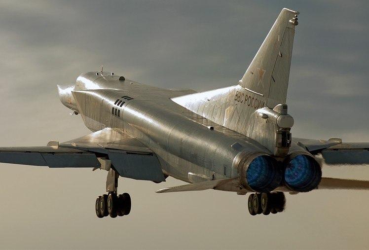 ТУ-22М3 — ДАЛЬНИЙ СВЕРХЗВУКОВОЙ РАКЕТОНОСЕЦ-БОМБАРДИРОВЩИК, изображение №21