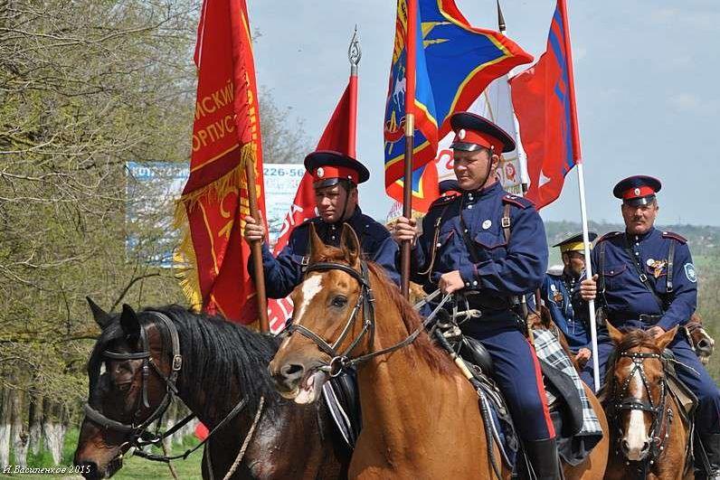 Донские казаки готовятся к конному переходу в честь 76-летия Победы в ВОВ