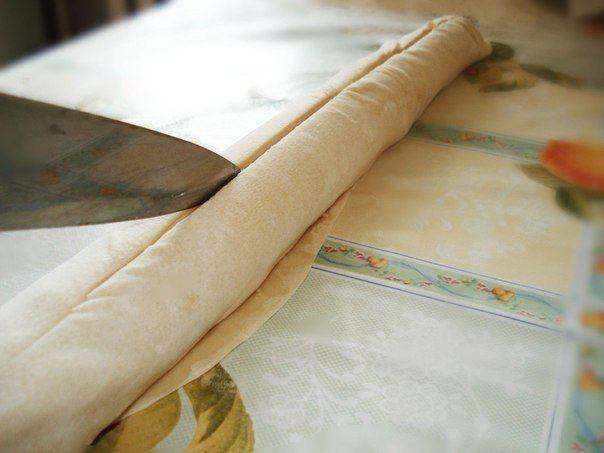 Cлоёная самса с мясом на сковороде