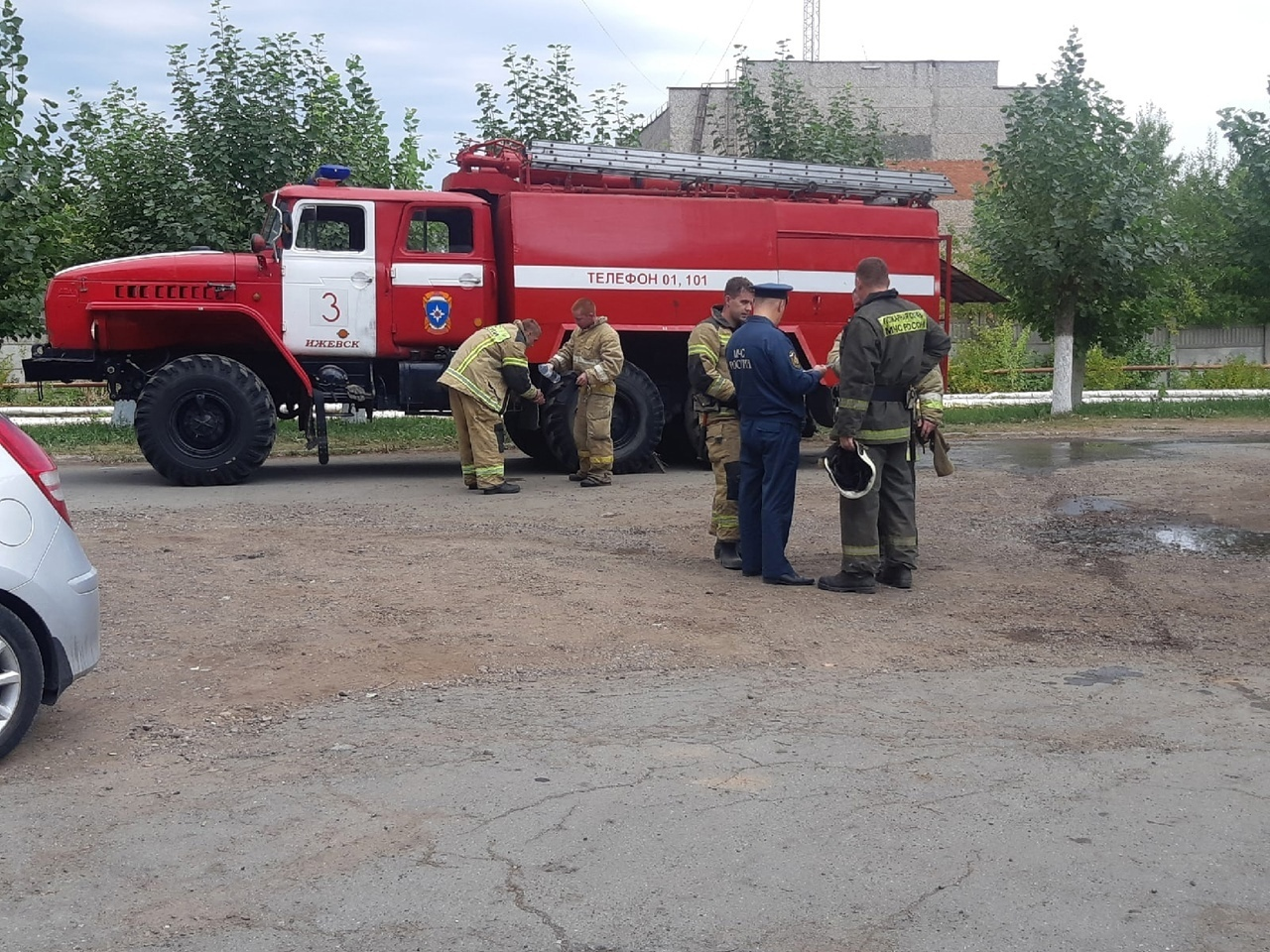 87 человек эвакуировали сегодня из-за пожара из