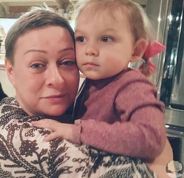 Какое милое фото Мария Аронова с внучкой Тоней