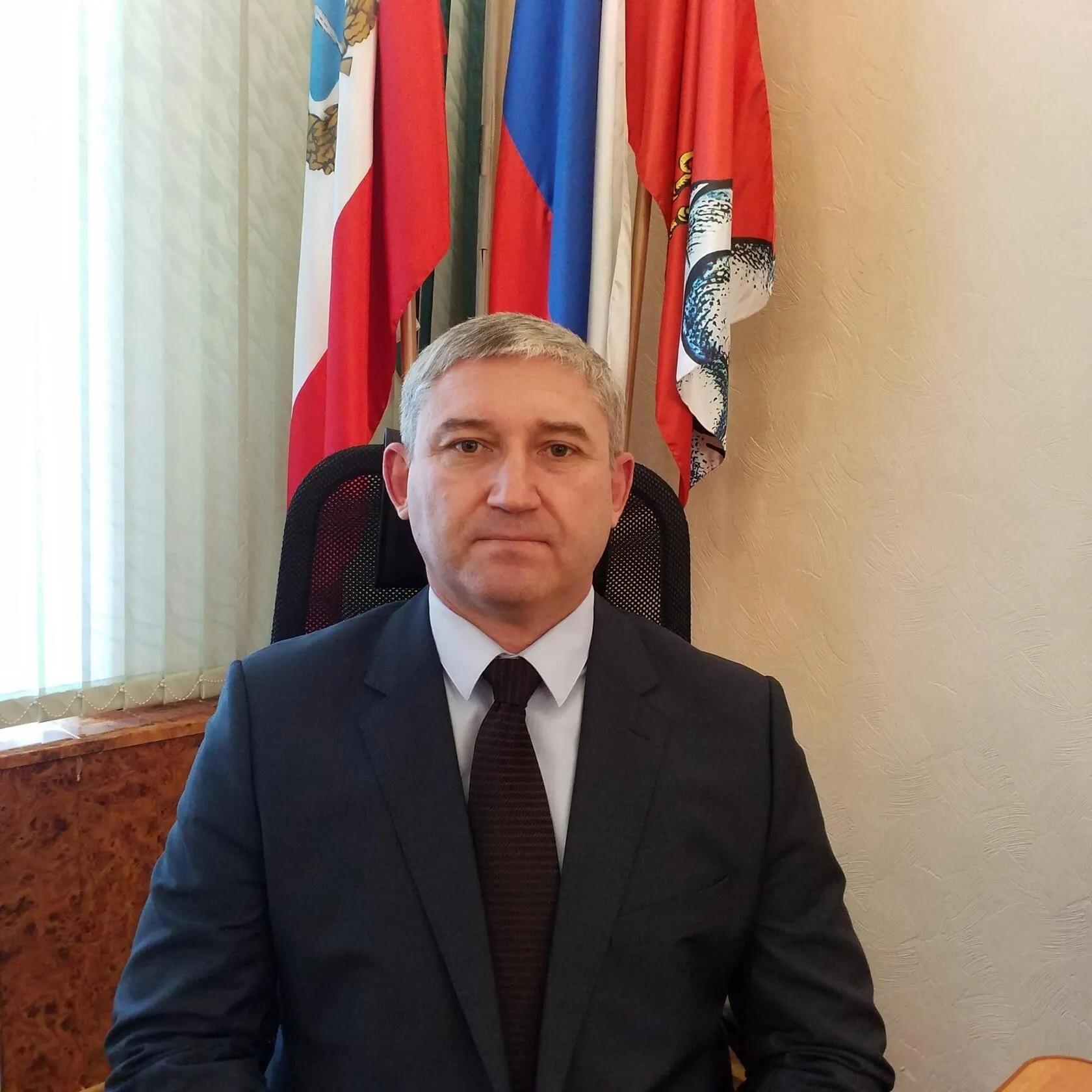 Поздравление с Днём работников дорожного хозяйства от временно исполняющего обязанности главы Петровского района В.В. Макарова