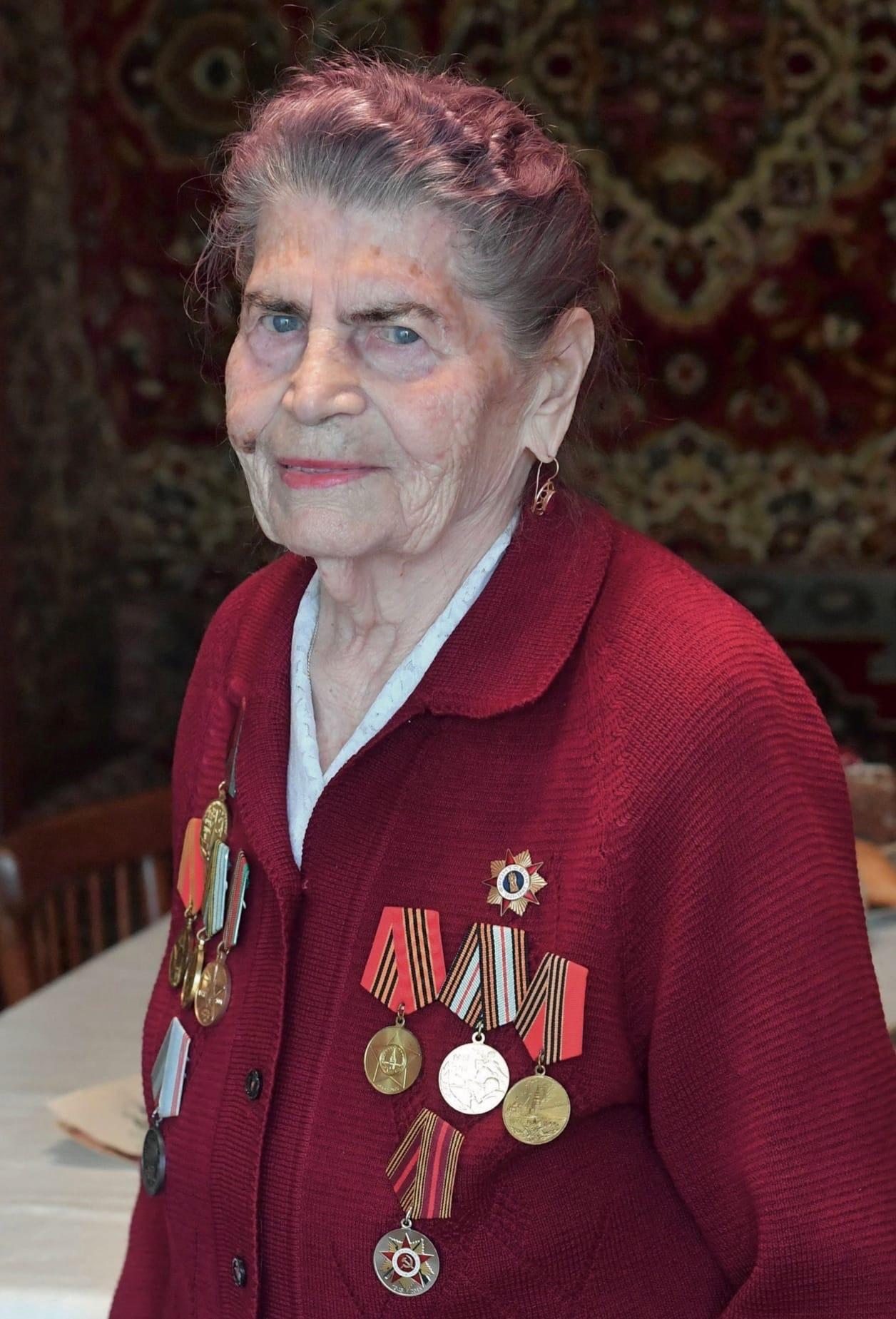 93-й день рождения отмечает ветеран ВОВ, почетный