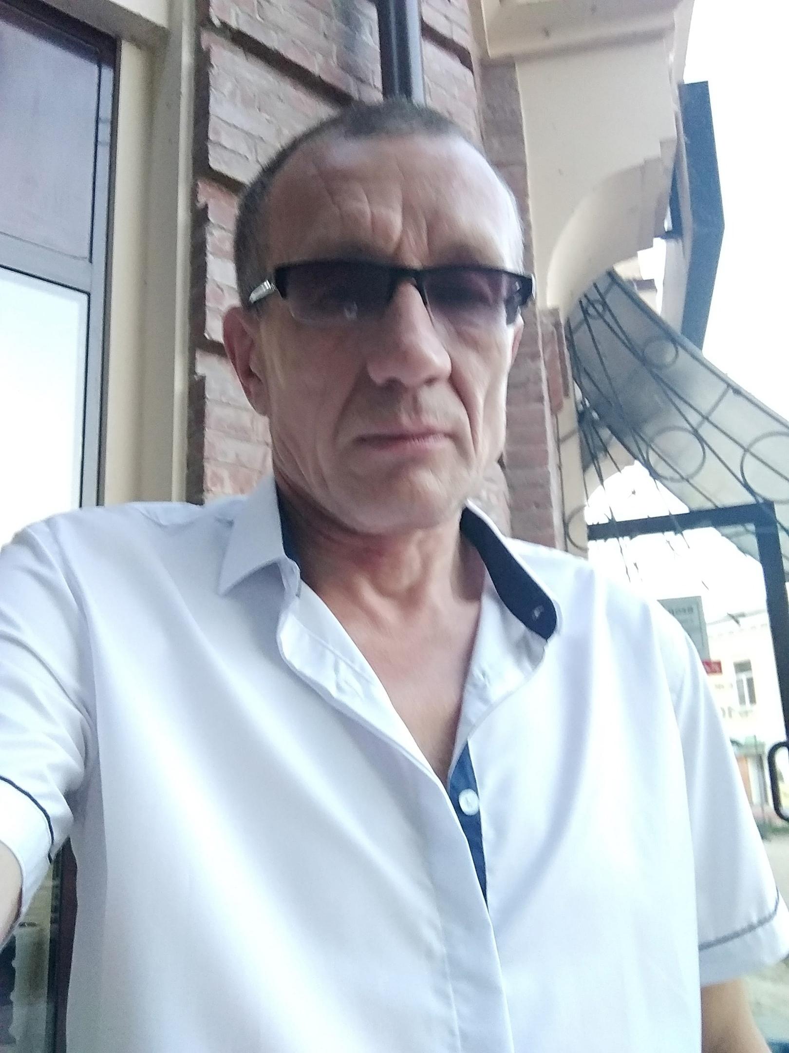 Igor, 54, Shakhty