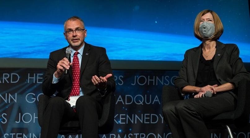 NASA разделило отдел по управлению пилотируемыми программами на два подразделения