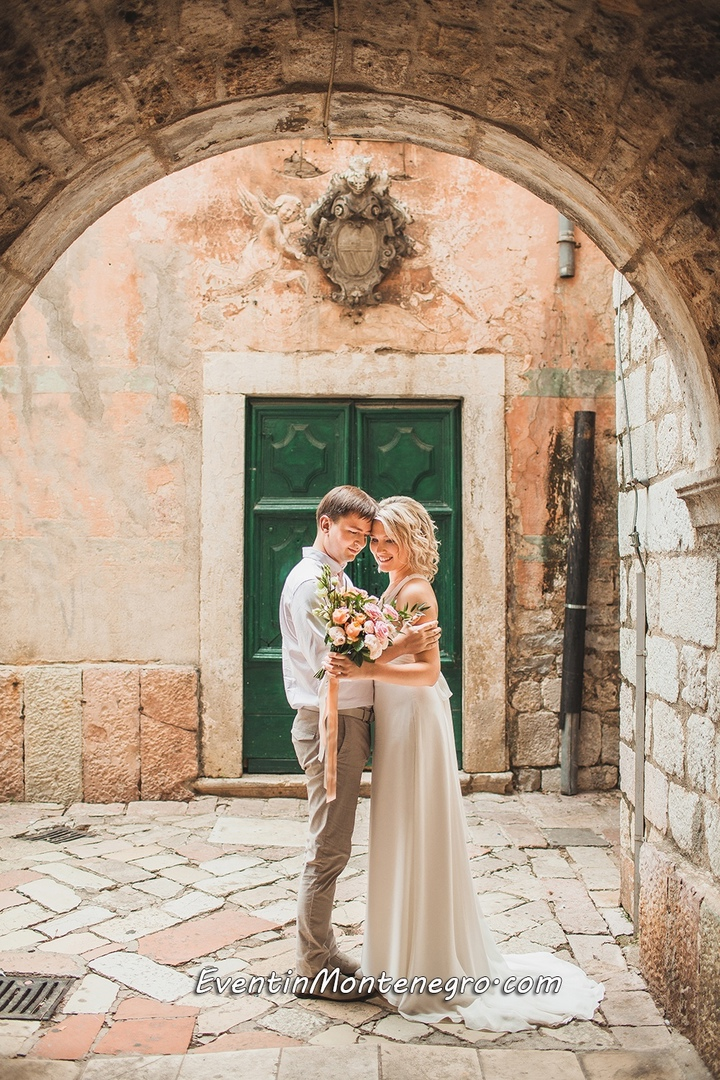 Чувства на высоте. Свадьба в Черногории, изображение №5