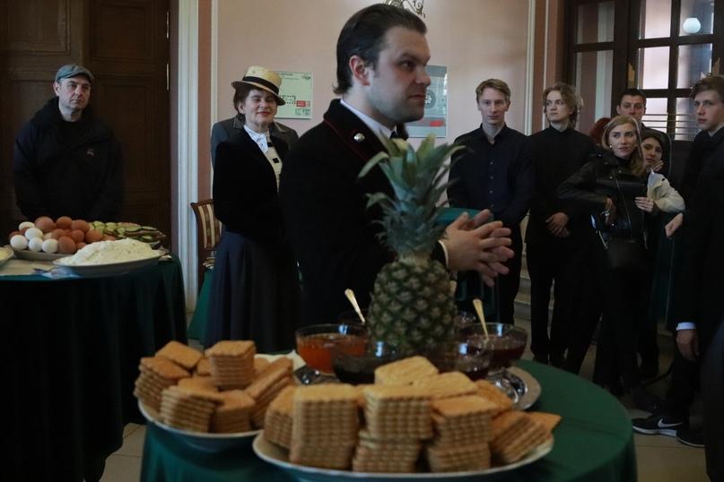 Реконструкторы в Ресторации на Тверском вокзале предлагают завтрак