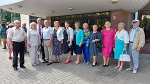 Глава региона Игорь Артамонов вручил награды выдающимся землякам
