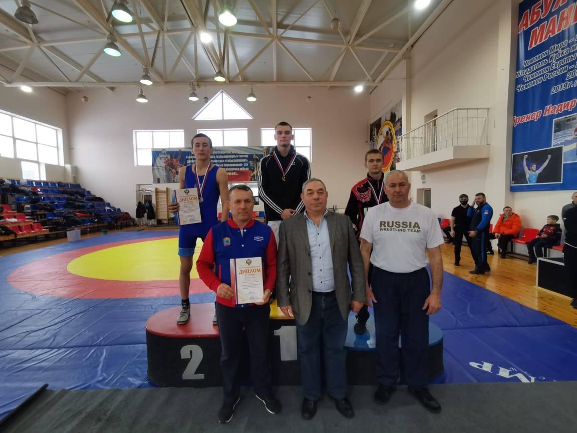 Тамбовский борец завоевал высшую награду на национальном первенстве