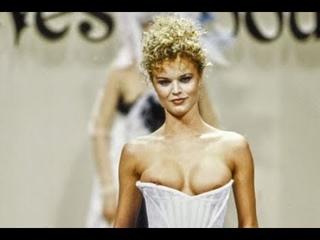 VIVIENNE WESTWOOD Fall 1994 Paris - Fashion Channel