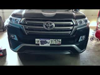 Установка комфортных сидений в Toyota Land Cruiser 200