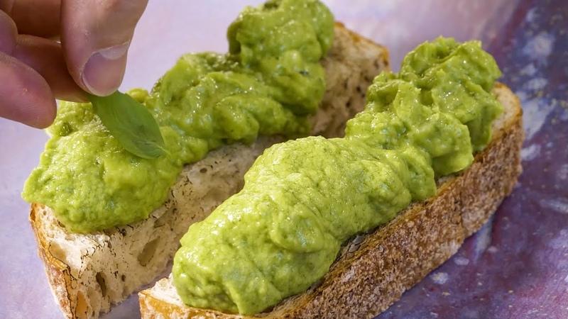 Просто вкусный бутерброд на завтрак с авокадо